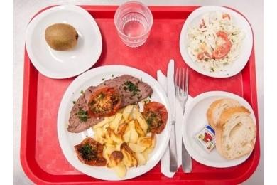 Cách tổ chức các bữa ăn bán trú ở Pháp